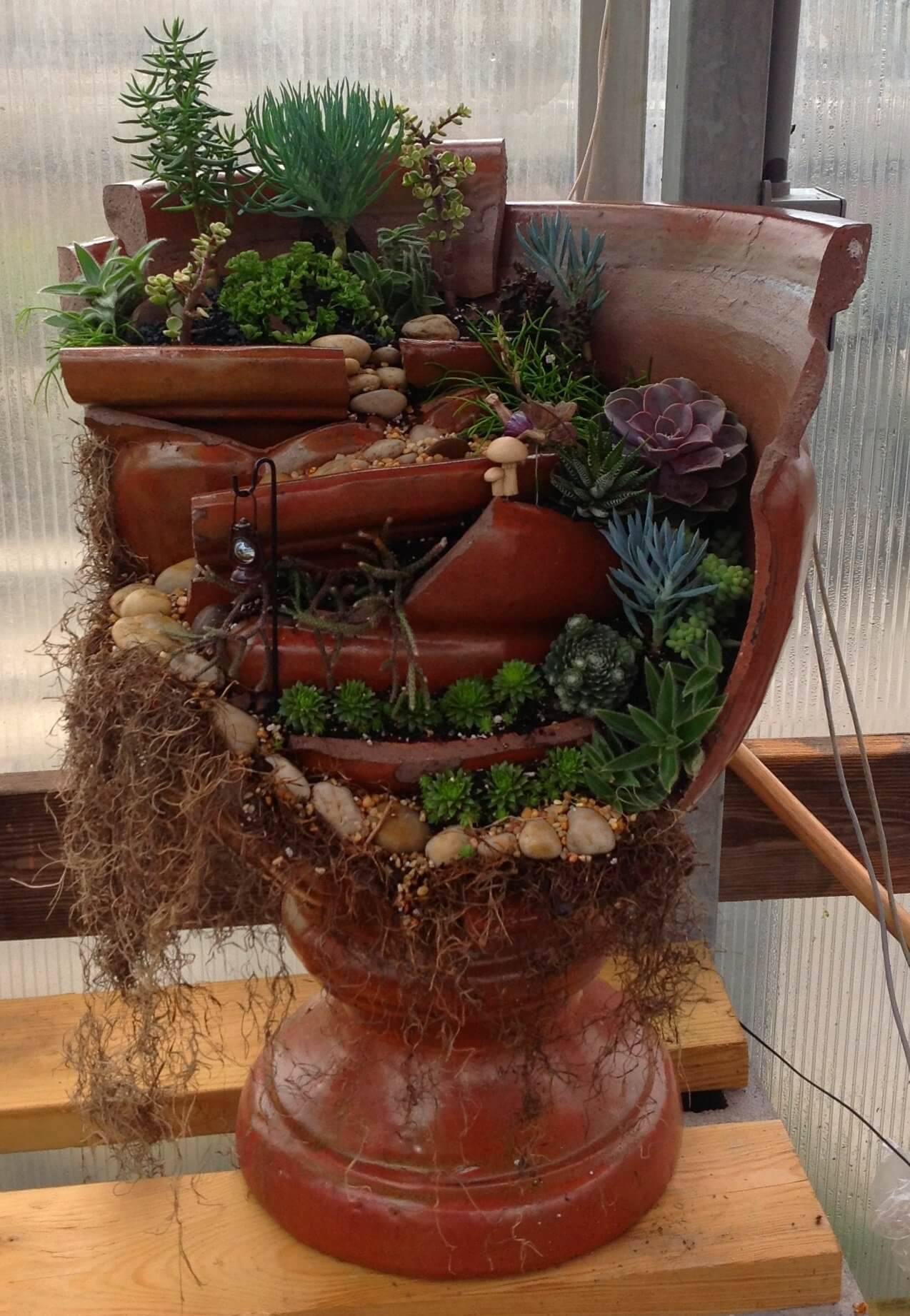 16+ Awesome DIY Broken Pot Fairy Garden Ideas and Projects