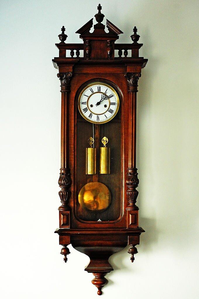 Pendulum lock